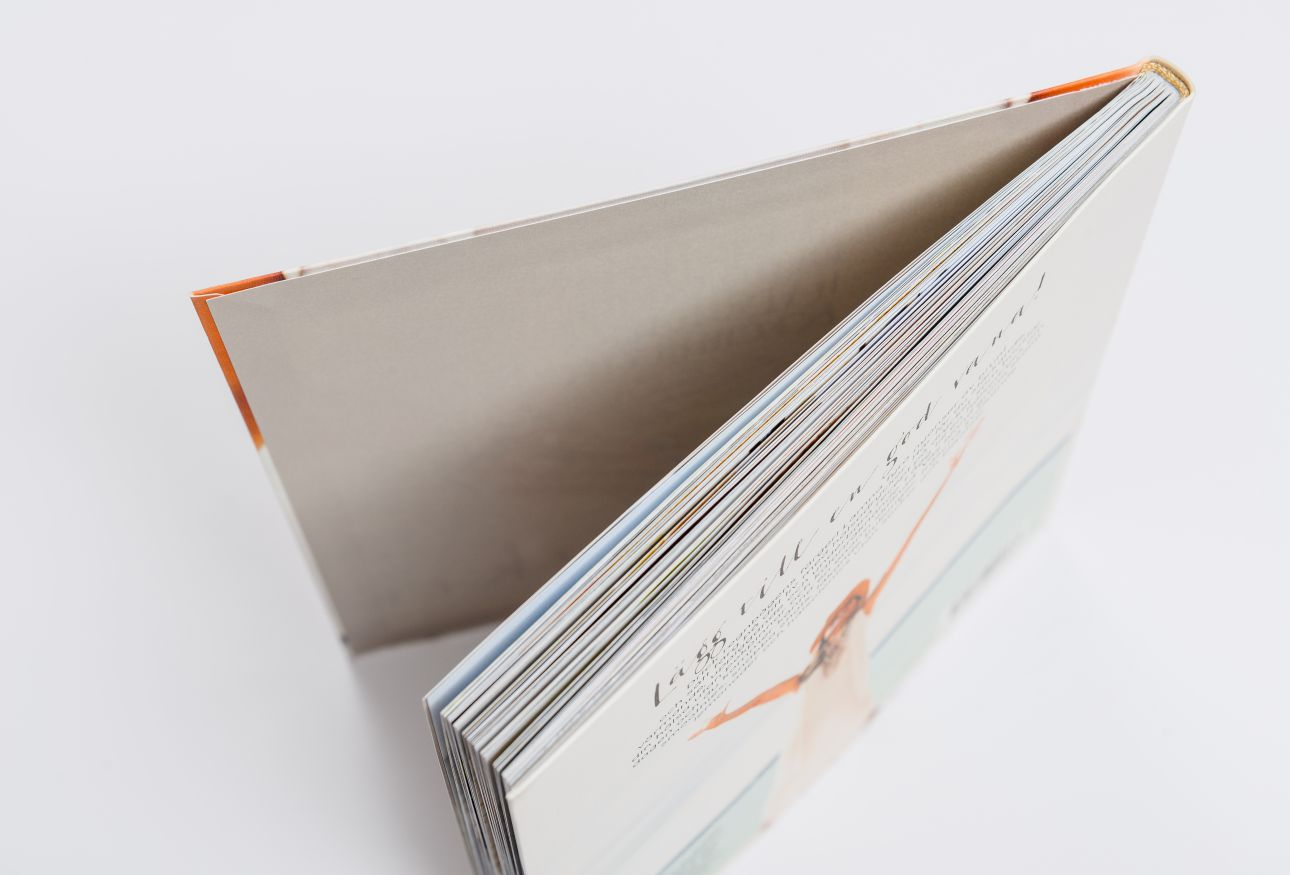 Book Vs Cover Paper : Binding — high quality book production livonia print